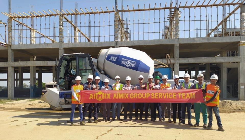 self loading concrete mixer exported