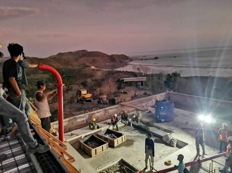 60 pompa beton diesel di Lombok Indonesia