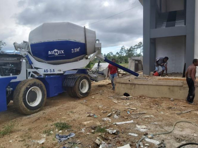 3.5 self loading mixer in Papua Indoesia