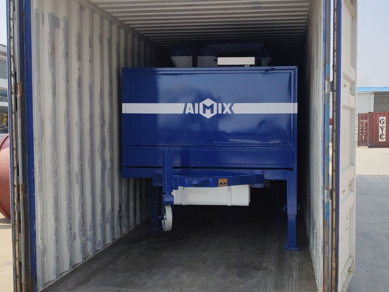 Pompa mixer diesel AIMIX dimuat