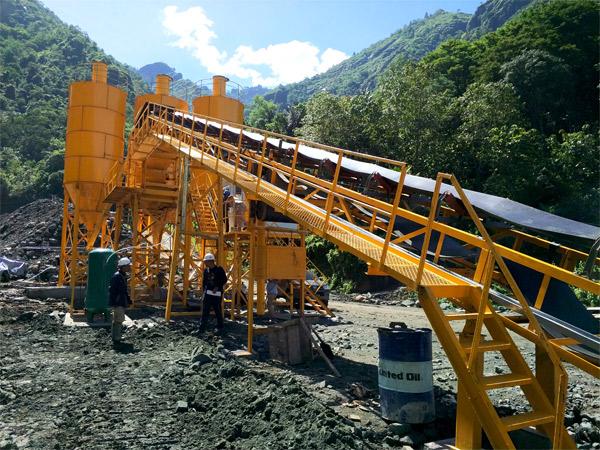 Pemasangan pabrik beton campuran kering Aimix di Indonesia