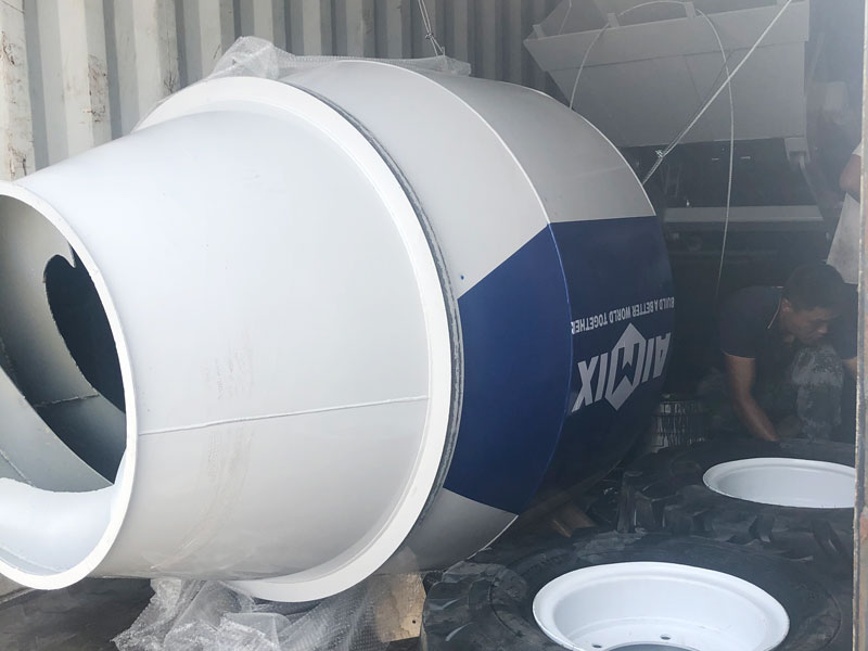 AS1.8 self load mixer loaed to the Philippines