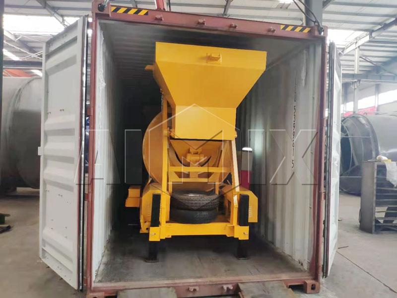 500 liter concrete mixer loaded